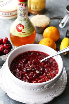 This Slow Cooker Spiced Cranberry Sauce is delicious and so easy to prepare! A simple Thanksgiving classic recipe featuring fresh, ruby red cranberries. Perfect Mashed Potatoes, Creamy Mashed Potatoes, Thanksgiving Dinner Recipes, Thanksgiving Side Dishes, Thanksgiving Decorations, Sauce Recipes, Crockpot Recipes, Cranberry Apple Sauce, Apple Cider
