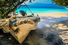 Blog post on Divergent Travelers: Take a look at what all the rave is about when it comes to a visit to Gili Trawangan in Indonesia. Photo tour and facts.