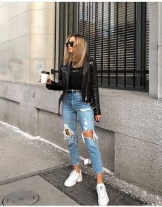Charming and super summer outfits ideas for spring summer fashion trendy outfits 2019 Style Outfits, Cute Casual Outfits, Mode Outfits, Jean Outfits, Comfortable Outfits, Casual Jeans, Dress Casual, Denim Jeans, Outfit Styles