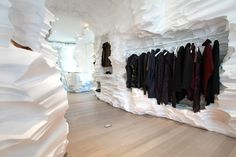 Richard Chai Pop Up Store by Snarkitecture #retaildesign #shopdesign #visualmerchandising #interiordesign - More wonders at www.francescocatalano.it