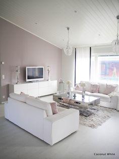 Coconut White: Olohuoneen uusi krominen sohvapöytä suoraan Norjasta!