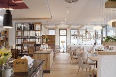 LINZ - RESTAURANT RAUNER Places To Eat, Austria, Restaurant, Table, Furniture, Home Decor, Linz, Viajes, Decoration Home