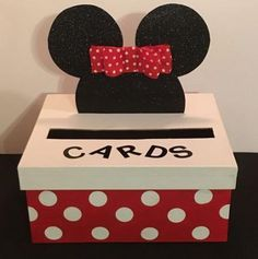 For a limited time, out Mickey and Minnie Mouse Card Boxes are off! ALSO, a Minnie Mouse box will come with a matching hair bow upon request (please send a message with you order). Boxes can also be customized with a name 8 letters or less. Festa Mickey Baby, Mickey And Minnie Wedding, Minnie Mouse First Birthday, Theme Mickey, Minnie Mouse Theme, Mickey Mouse Birthday, 2 Birthday, Mickey Mouse Baby Shower, Valentine Day Boxes
