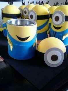Botes de aluminio  de los Minions Despicable Me Party, Minions Despicable Me, Evil Minions, Funny Minion, Funny Jokes, Foam Crafts, Diy And Crafts, Crafts For Kids, Minion Centerpieces