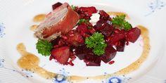 Salat med blommer, feta og svinemørbrad