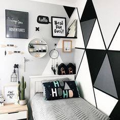 Get motivated with ideas as well as photos of kids's spaces to freshen or re-create your house. Below we provide countless design ideas for every space in each style. Bedroom Wall Designs, Boys Bedroom Decor, Teen Room Decor, Small Room Bedroom, Bedroom Layouts, Cute Room Decor, Aesthetic Room Decor, Pink Room, Boy Room