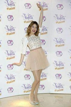 Designer Clothes, Shoes & Bags for Women Violetta Disney, Violetta Outfits, Violetta Live, Disney Outfits, Girl Outfits, Cute Outfits, Disney Channel, Mode Für Teenies, Le Cv