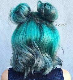 teal hair color and messy buns for short hair Short Hair Bun, Medium Short Hair, Short Hair Styles Easy, Medium Hair Styles, Short Teal Hair, Short Hair Colors, Hair Colour, Bun Hairstyles, Pretty Hairstyles