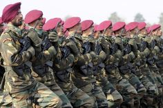 Why are the colours of the berets of different corps of the Indian Army different? Military Guns, Military Art, National Security Guard, National Guard, Central Industrial Security Force, Indian Army Special Forces, Indian Army Wallpapers, Battle Dress, 4k Wallpaper For Mobile