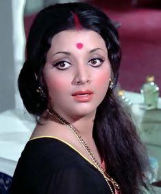 Beautiful Bollywood Actress, Most Beautiful Indian Actress, Beautiful Actresses, Indian Actress Hot Pics, Indian Actresses, Indian Hair Cuts, Bollywood Fashion, Bollywood Actors, Indian Women Painting
