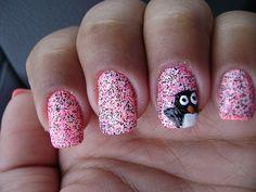 Peek-a-boo penguin nails (idea)
