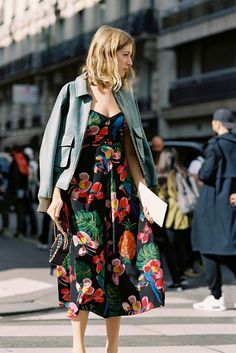 Before Valentino, Paris, October 2016. Beautiful tropical botanics and parrots (it reminds me of the Rio movie with its riot of stunning colours). Recreate her