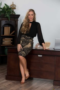 106 best nicole aniston images on pinterest beautiful women models and ashley nicole. Black Bedroom Furniture Sets. Home Design Ideas