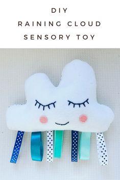 DIY Raining Cloud Sensory Toy - Mamma Mode