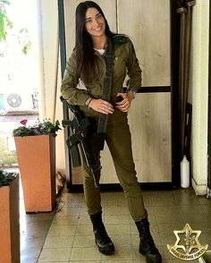 IDF - Israel Defense Forces - Women.✡ Israeli Girls, Idf Women, Outdoor Girls, My Kind Of Woman, Warrior Girl, Warrior Women, Brave Women, Female Soldier, Military Women