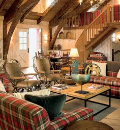 timber frame home living area & entryway