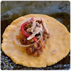 Hallaca venezolana. http://amantesdelacocina.com/cocina/2010/12/nuestra-hallaca/