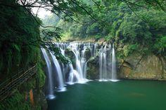 Shifen Waterfall, Taiwan The Shifen Waterfall on Taiwan's Keelung River is the largest waterfall in Taiwan.