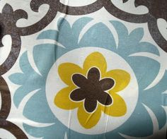 Floorcloth from a tablecloth - great idea!