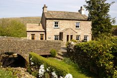 Bridge Cottage, Waterside Rental in The Yorkshire Dales, Sleeps 6 Cottage House Plans, Cottage Homes, Cottage Pie, Cottage Gardens, Cottage Ideas, Yorkshire Dales, Yorkshire England, Skye Scotland, Highlands Scotland