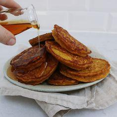 Græskarpandekager - Maria Vestergaard Sausage, Pancakes, Meat, Breakfast, Food, Desserts, Hokkaido, Morning Coffee, Tailgate Desserts