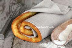 Pasta biscotto per rotoli, ricetta base.La pasta biscotto, o biscuit, è un soffice pan di spagna veloce da preparare e che si presta per la preparazione di rotoli farciti ma anche come base per tortine e dolci che richiedono una parte di pan di spagna.