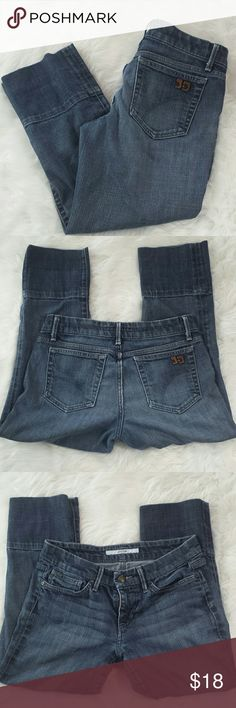 "Joe's Jeans socialite kicker capri's Great denim capri's - some wear in the seat but overall nice condition! Labeled size 28 . Waist 15"" inseam 22.5"" Joe's Jeans Pants Capris"
