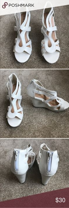 TOP MODA NEVER WORN SIZE 10 TOP MODA NEVER WORN SIZE 10 Top Moda Shoes Wedges