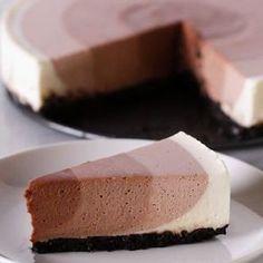 Chocolate Ripple Cheesecake Recipe by Ta. - Chocolate Ripple Cheesecake Recipe by Tasty - No Bake Desserts, Just Desserts, Delicious Desserts, Dessert Recipes, Yummy Food, Yummy Mummy, Yummy Appetizers, Dinner Recipes, Sandwich Appetizers
