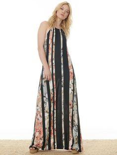 Φόρεμα μάξι, εμπριμέ εξώπλατο. Σύνθεση:Polyester/Εlastan. Ποιοτικό ρούχο σχεδιασμένο και κατασκευασμένο στην Ελλάδα. Dresses, Fashion, Vestidos, Moda, Gowns, Fasion, Dress, Gown, Clothing