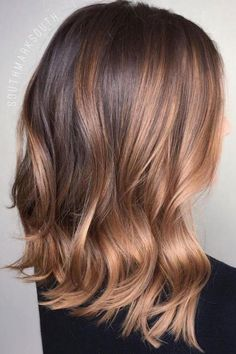 Cabello 35 Balayage Hair Color Ideas for Brunettes in The French hair coloring technique: Balayage. These 35 balayage hair color ideas for brunettes in 2019 allow to achieve a more natural and modern eff. Hairstyles Haircuts, Summer Hairstyles, Cool Hairstyles, Balayage Highlights, Hair Color Balayage, Caramel Highlights, Rose Gold Balayage Brunettes, Caramel Balayage Brunette, Balayage Lob