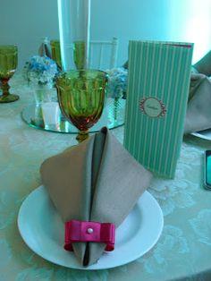"Festa de debutante de duas lindas jovens, na cidade de Santos, Buffet Viva um sonho.     A cor predominante ""azul Tiffany"" torn..."