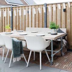 127 vind-ik-leuks, 7 reacties - fonQ (@fonqnl) op Instagram: 'BUITEN TAFELEN | Yes, we kunnen weer heerlijk buiten eten! Bij het zien van de mooie tuin van…'