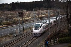 Plum and Train ウメと電車 plum train kairakuen 偕楽園 jr ウメ 電車 水戸 mito