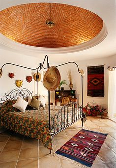 Spanish style homes – Mediterranean Home Decor Mexican Bedroom, Mexican Home Decor, Home Design, Design Ideas, Home Interior, Interior Design, Interior Decorating, Mexico House, Spanish Style Homes
