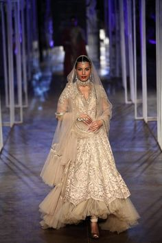 Wedding Show Archives Indian Bridal Week, Pakistani Bridal, Indian Dresses, Indian Outfits, Indian Clothes, India Fashion, Asian Fashion, Indian Look, Indian Style