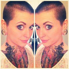 Amanda Pocalypse tattooed model, bald women