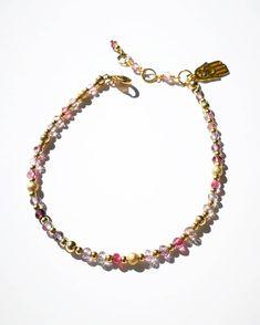 Sparkling spinel gemstone gold bead mix bracelet. Gold Beads, Sparkle, Gemstones, Bracelets, Jewelry, Jewlery, Gems, Jewerly, Schmuck