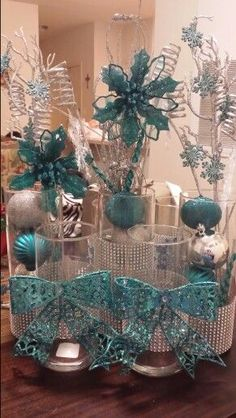 Here are the Winter Wonderland Decor Ideas Christmas. This post about Winter Wonderland Decor Ideas Christmas was posted under the … Winter Wonderland Centerpieces, Christmas Centerpieces, Xmas Decorations, Disney Centerpieces, Winter Wonderland Birthday, Winter Wonderland Christmas, Teal Christmas, Christmas Crafts, Baby Shower Winter