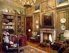 Studio Peregalli lifts the curtain on a legendary, long-gone Second Empire– style apartment in Milan, seen here for the first time in all its trompe l'oeil glory. #milanapartments #maximalistinteriors #luxuriouslibrary #elledecor Milan Apartment, Chinese Furniture, Elle Decor, Second Empire, Empire Style, Home Living Room, Furniture Design, Studio, Interior