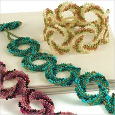 10 great seed bead patterns! #beading #jewelrymaking