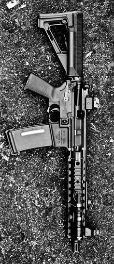 Centurion Arms Rail with and Diopter Sights on a KAC Photo by Seen draw of it. Ar Pistol Build, Ar Build, Ar Rifle, Ar 15 Builds, Sword Fight, Fire Powers, Ares, Cool Guns, Military Life