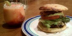 peachy-berry margaritas Margarita Party, Perfect Margarita, Vegetarian Protein Powder, Healthy Waffles, Slushies, Fresh Lime Juice, Simple Syrup, Desert Recipes, Berries