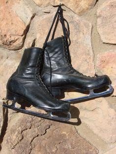 §§§ : Black Leather Mens Figure Skates : 1960s