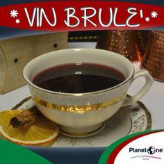 """Cocktail Alcolico """"Vin Brulé""""  Ingredienti: 5 oz vino rosso 1 oz brandy 1 stecca cannella 1 chiodo di garofano 1 zest arancia 1 zest limone 2 brspoon zucchero bianco 1 oz succo arancia per la ricetta completa visita: http://www.planetone.it/i-cocktail-di-natale-di-giorgio-puma-edizione-2014/"""