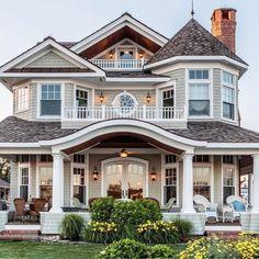 24 Most Popular Dream House Exterior Design Ideas ~ House Design Ideas Dream Home Design, My Dream Home, Dream Home Plans, Luxury House Plans, Cute House, Dream House Exterior, House Ideas Exterior, House Exteriors, Big Houses Exterior