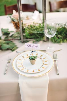 Antique Painted Dinner Plates | Photo: Rebekah J. Murray