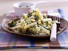 Unser beliebtes Rezept für Penne mit Gorgonzola-Spinat-Soße und mehr als 55.000 weitere kostenlose Rezepte auf LECKER.de.