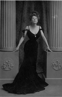 Camille Clifford The Gaeity girl (Edwardian Period)
