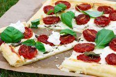 Smördeg med fetaostkräm & rostade tomater